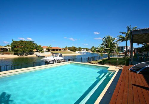 Crystal Blue Holiday Home, Broadbeach Waters