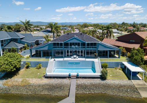 Broadbeach Waters, the Perfect Holiday Home Location